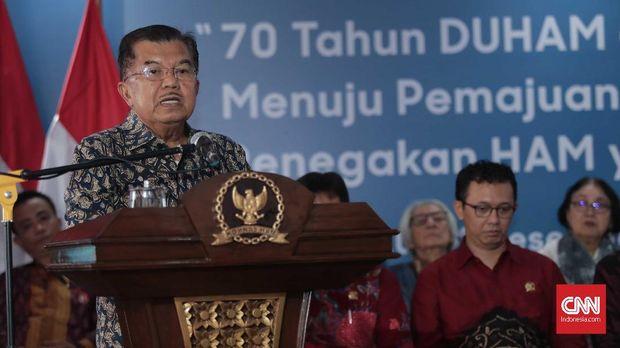 Wapres Jusuf Kalla saat berpidato di Komnas HAM Jakarta, Selasa (11/12).