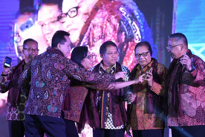 Peluncuran ekosistem program pembiayaan kredit untuk pengusaha ultra mikro berbasis digital yang menggandeng sejumlah lembaga keuangan digital tersebut untuk mendukung uji coba digitalisasi penyaluran pembiayaan kredit UMI guna mendorong percepatan realisasi keuangan inklusif di Indonesia.