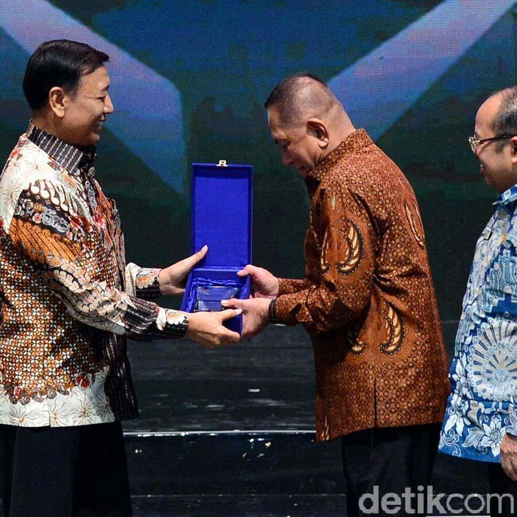 Kemenhan Raih Penghargaan dari Ombudsman