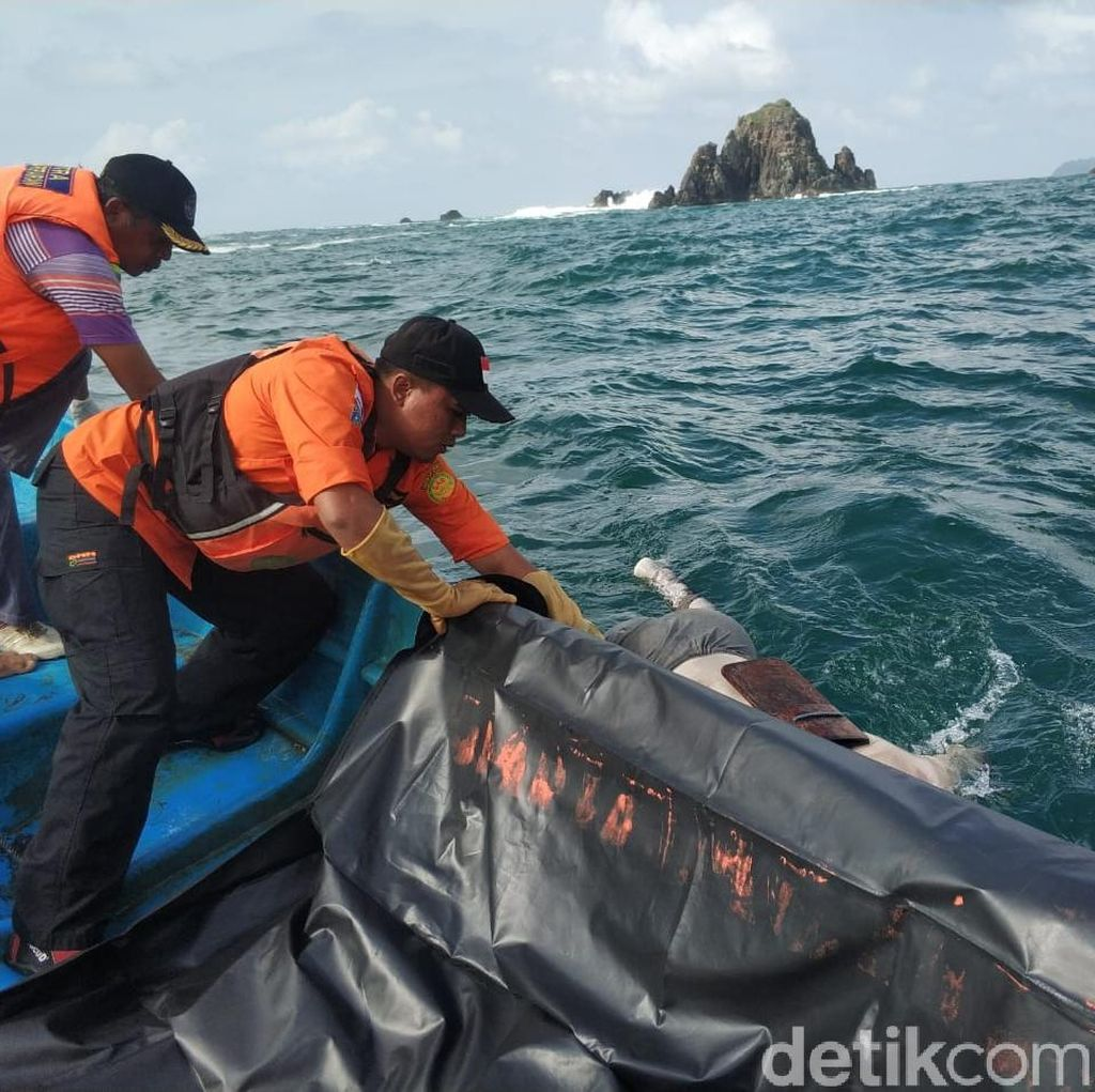 Pemancing Hilang Tersapu Ombak di Perairan Trenggalek Ditemukan Tewas