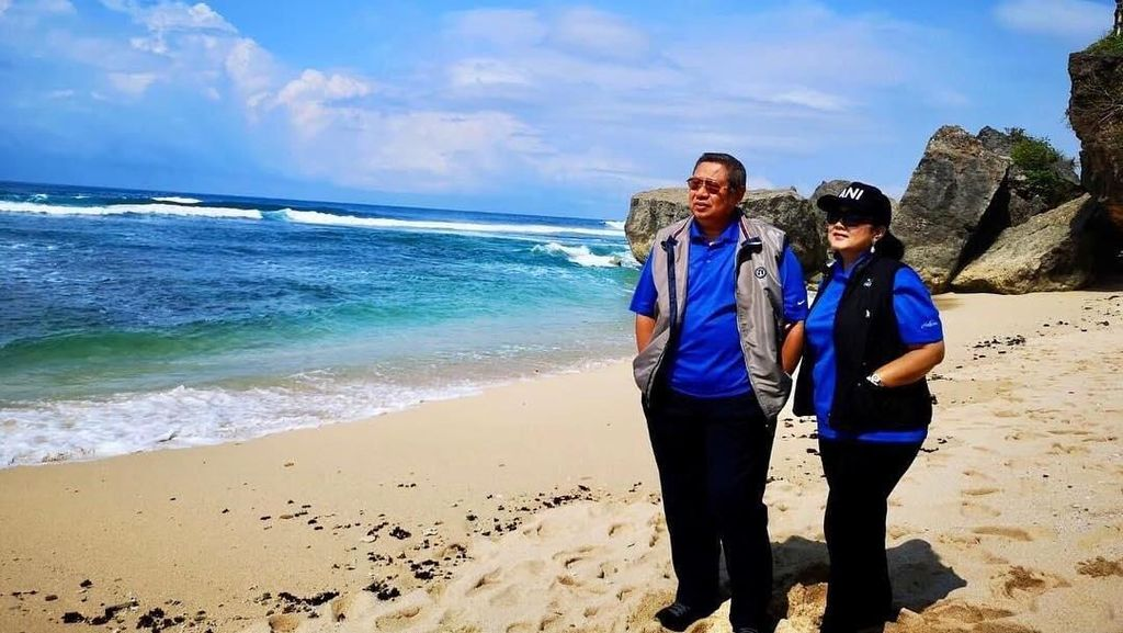 Ani Yudhoyono Promosi Keindahan Pantai-pantai Gunungkidul