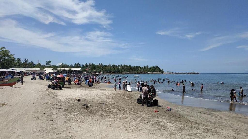 Jurus Pemkab Serang Agar Pantai Anyer Ramah Wisatawan