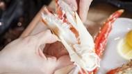 Biar Puas Makan Dagingnya, Ikuti Cara Mengupas Kepiting Ini
