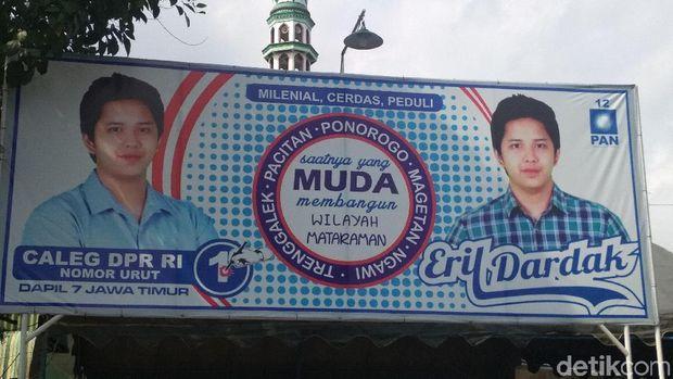 Baliho kampanye Eril /
