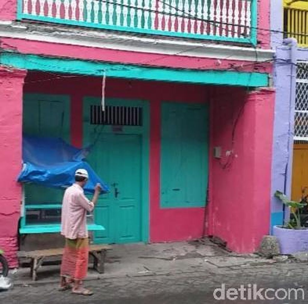 Video Cantiknya Wajah Kota Tua Surabaya Disulap Warna-warni