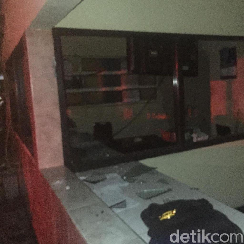 Polsek Ciracas Dirusak, 7 Tahanan Dipindahkan ke Polda