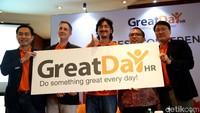 GreatDay HR adalah aplikasi mobile karyawan yang selain bisa berintegrasi dengan SunFish HR,juga merupakan aplikasi mobile yang dapat berfungsi sendiri. Solusi ini bisa membantu perusahaan kecil hingga menengah tanpa memerlukan sistem manajemen sumber daya manusia (HR systems) lainnya.
