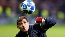 Iker Casillas Berencana Pensiun di Porto