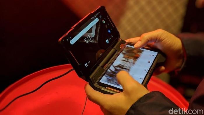 Asus ROG Phone. Foto: Adi Fida Rahman/detikINET