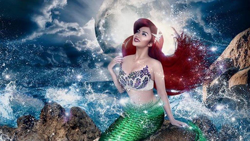 Saat Ariel Tatum Jadi Mermaid Seksi