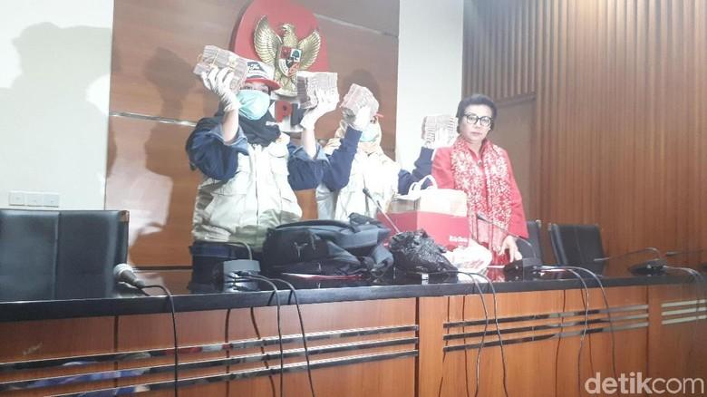 Kronologi OTT Bupati Cianjur Tersangka Pemerasan Kepsek SMP