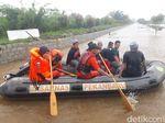 Ponpes di Riau Dikepung Banjir, Ratusan Santri Dievakuasi Basarnas