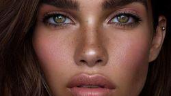 Hana Cross, Model Cantik Pacar Baru Brooklyn Beckham