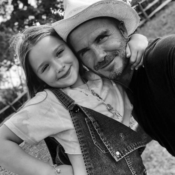 Harper adalah anak keempat pasangan David dan Victoria Beckham. Jadi satu-satunya anak perempuan, tak heran Harper mendapat banyak perhatian dari orang tua dan kakak-kakaknya. Foto: Instagram davidbeckham