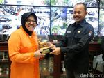 Keruk Sungai Surabaya untuk Pengurukan Taman Hemat Rp 14 Miliar