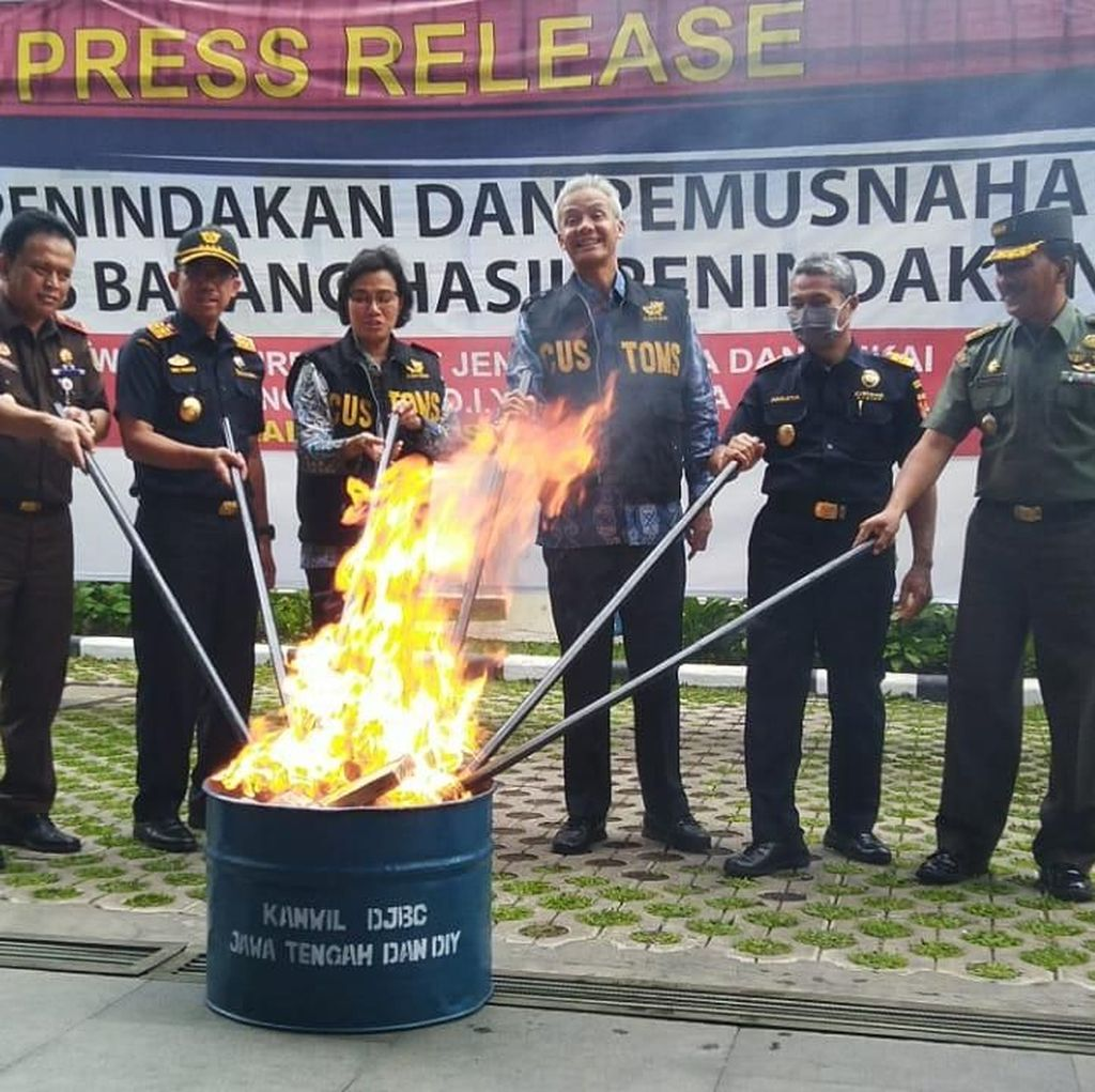 Sri Mulyani Musnahkan Barang Ilegal yang Rugikan Negara Rp 55 M