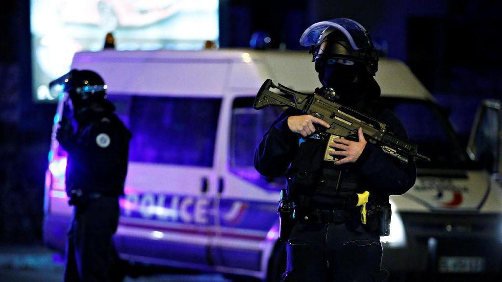 Polisi Buru Pelaku Penembakan di Pasar Natal Prancis