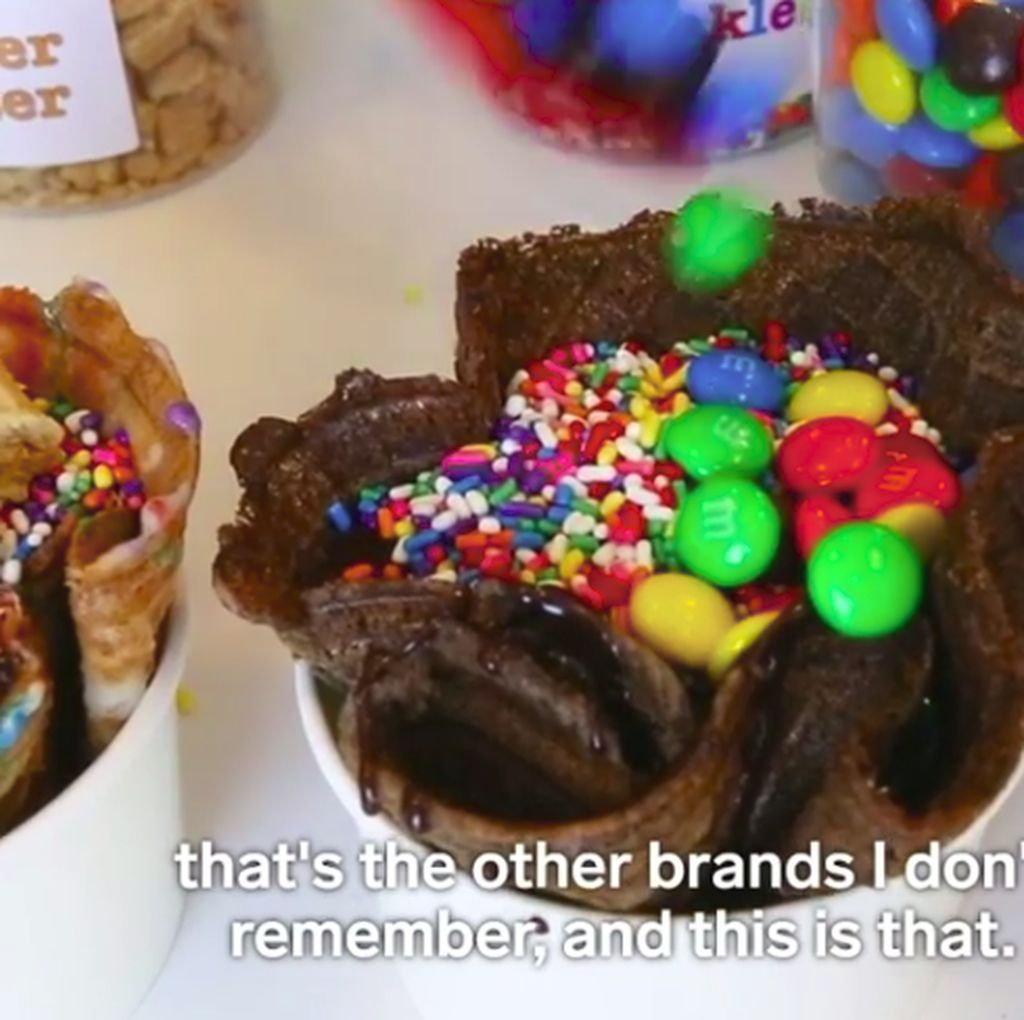 Sedang Tren Makan Adonan Brownies Mentah, Apakah Aman?