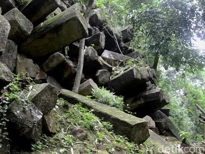 Inilah Watu Bahan, Batuan Unik Berusia 2 Juta Tahun
