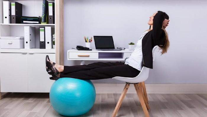 Kata siapa kerja kantoran nggak bisa olahraga? (Foto: iStock)