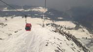 Main Salju dan Ski di India, Bisa Kok!