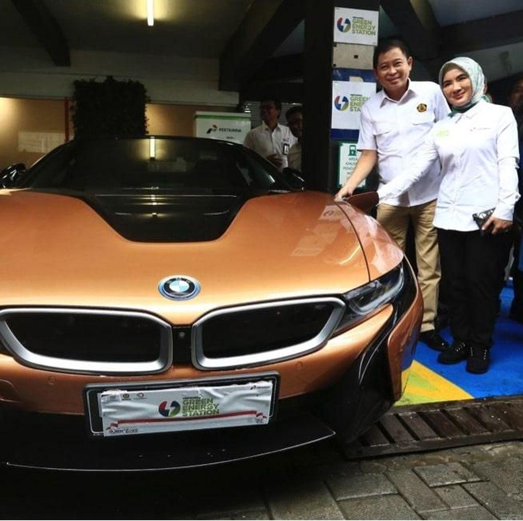 Pertamina Gandeng BMW Perkenalkan Stasiun Pengisian Energi Listrik