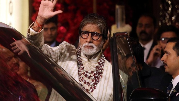 Bollywood actor Amitabh Bachchan leaves after attending the wedding ceremony of Isha Ambani, the daughter of the Chairman of Reliance Industries Mukesh Ambani, in Mumbai, India, December 13, 2018. REUTERS/Francis Mascarenhas