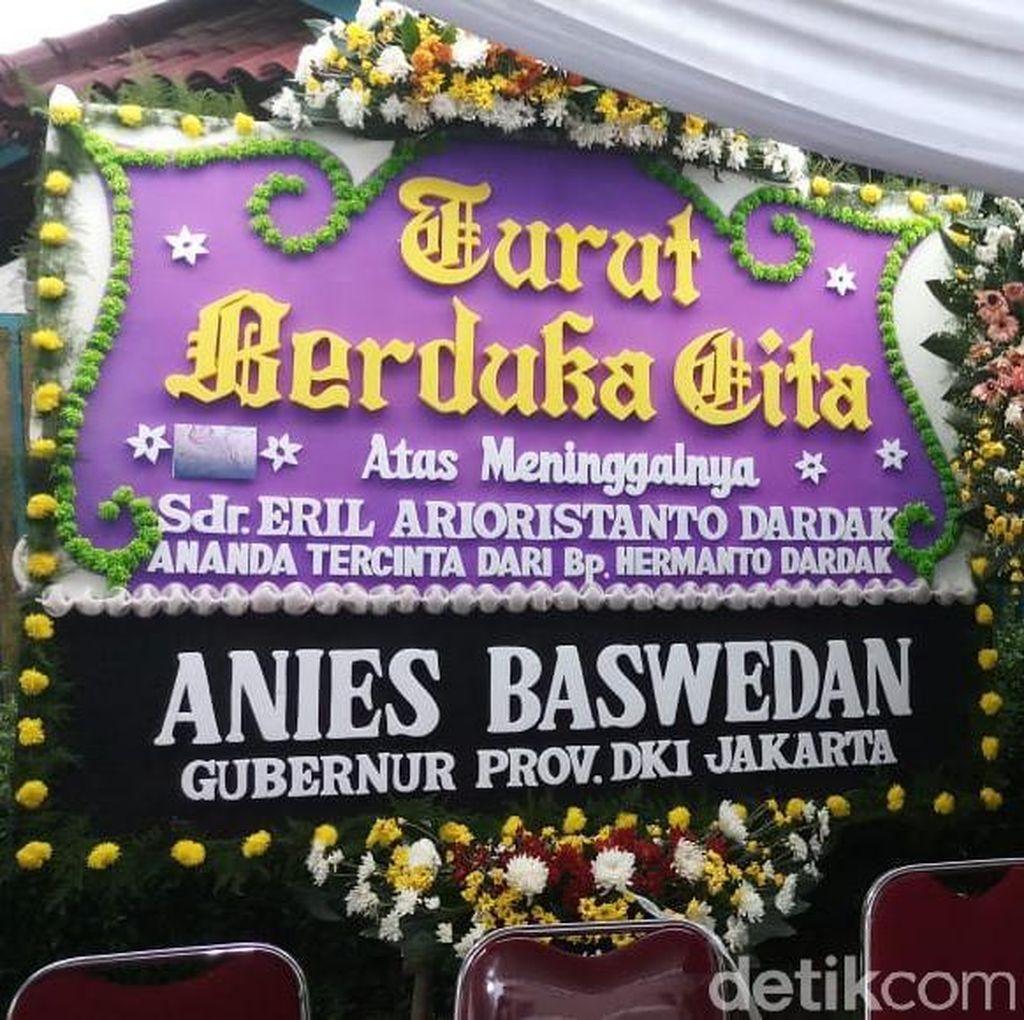 Anies Hingga SBY Kirim Karangan Bunga ke Rumah Duka Adik Emil Dardak