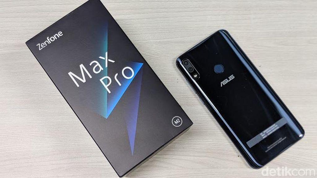 Asus Zenfone Max Pro M2. Ponsel yang juga baru diperkenalkan di Indonesia ini tercatat memiliki kapasitas baterai (lithium polymer) sampai 5.000 mAh. (Foto: Adi Fida Rahman/detikINET)