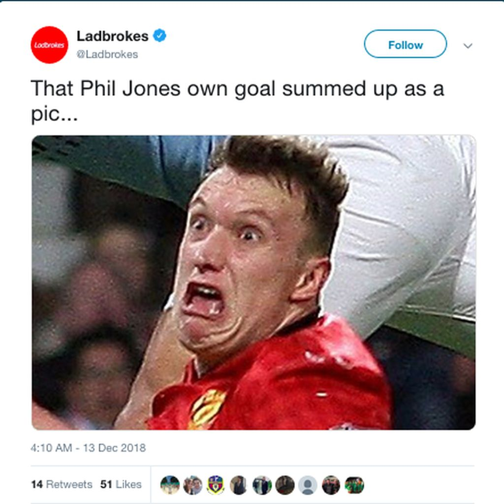 MU Kalah, Phil Jones Habis Kena Olok-olok