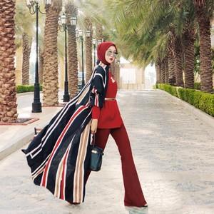5 Tips Pakai Scarf Ala Dian Pelangi, Pakai Jadi Hijab hingga Ikat Pinggang