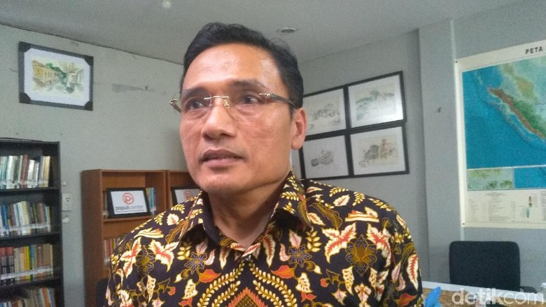 Jokowi Unggul 24% dari Prabowo, PKS Ragukan Survei Celebes