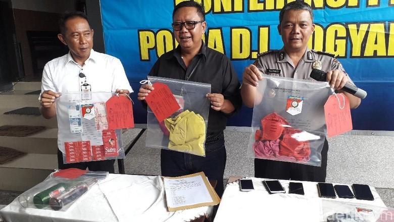 Polisi Duga Ada Praktik Perdagangan Orang dalam Pesta Seks di Sleman