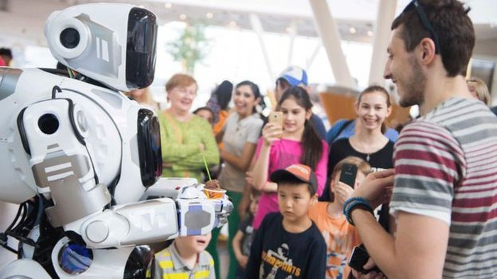 Robot Boris berbicara. Foto: BBC