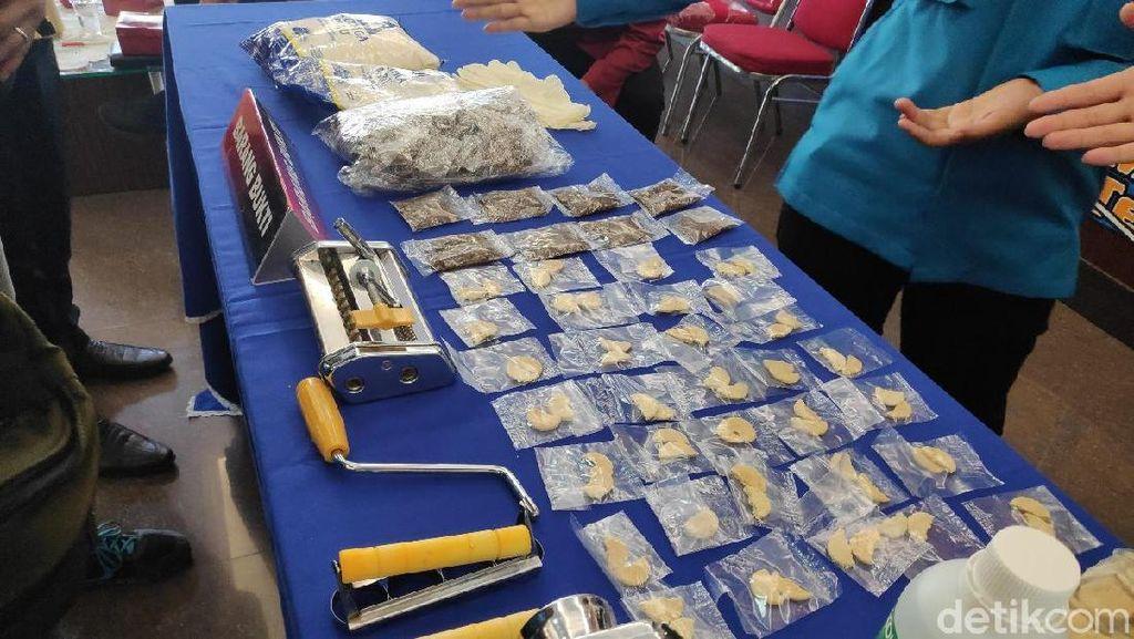 2 Pembuat Narkoba Cookies Ditangkap di Jaksel