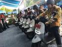 Lompatan Besar Pemprov DKI yang Mulai Pakai Motor Listrik