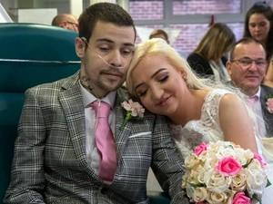 Cerita Haru Pasangan yang Idap Penyakit Sama Menikah di Rumah Sakit