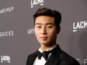 Park Seo Joon Tak Minum Air Setetes Pun Sebelum Syuting Record of Youth