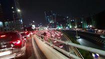 Jakarta Dikepung Macet, Tol BSD dan Tol Cikampek Stuck!