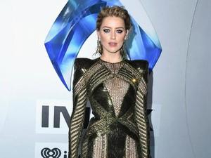 Foto: Gaya Seksi Amber Heard Bergaun Transparan di Premier Aquaman