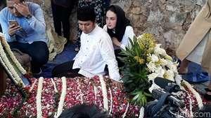 Ibunda Arumi Bachsin Datangi KY