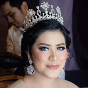 Jadi Model Makeup, Kahiyang Ayu Berubah bak Princess