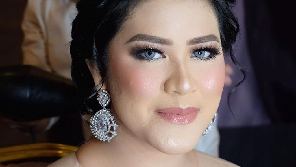 Jadi Model Makeup, Kahiyang Ayu Berubah bak Princess