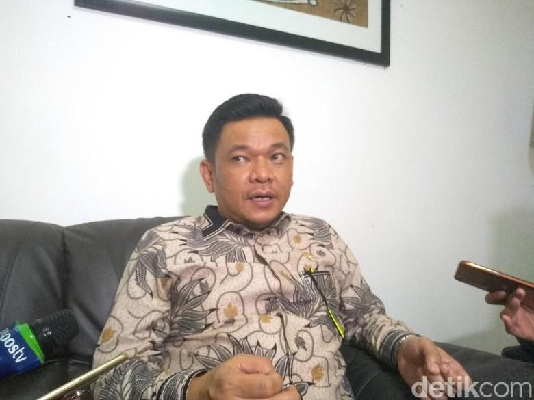TKN Tepis Poyuono yang Curiga Romahurmuziy Cari Dana untuk Jokowi