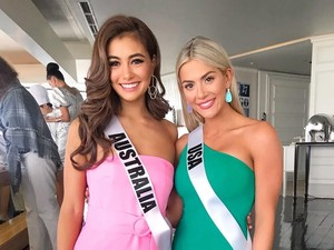 Foto: 2 Finalis Miss Universe Jadi Kontroversi, Nyinyir ke Finalis Asia