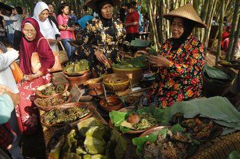 Yuk Nikmati Wisata Pasar di Tengah Kebun Bambu