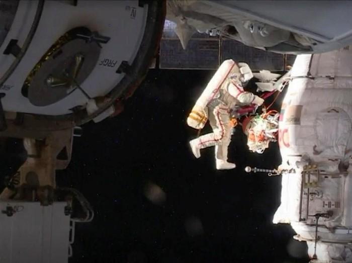 Astronot di luar angkasa. Foto: Reuters