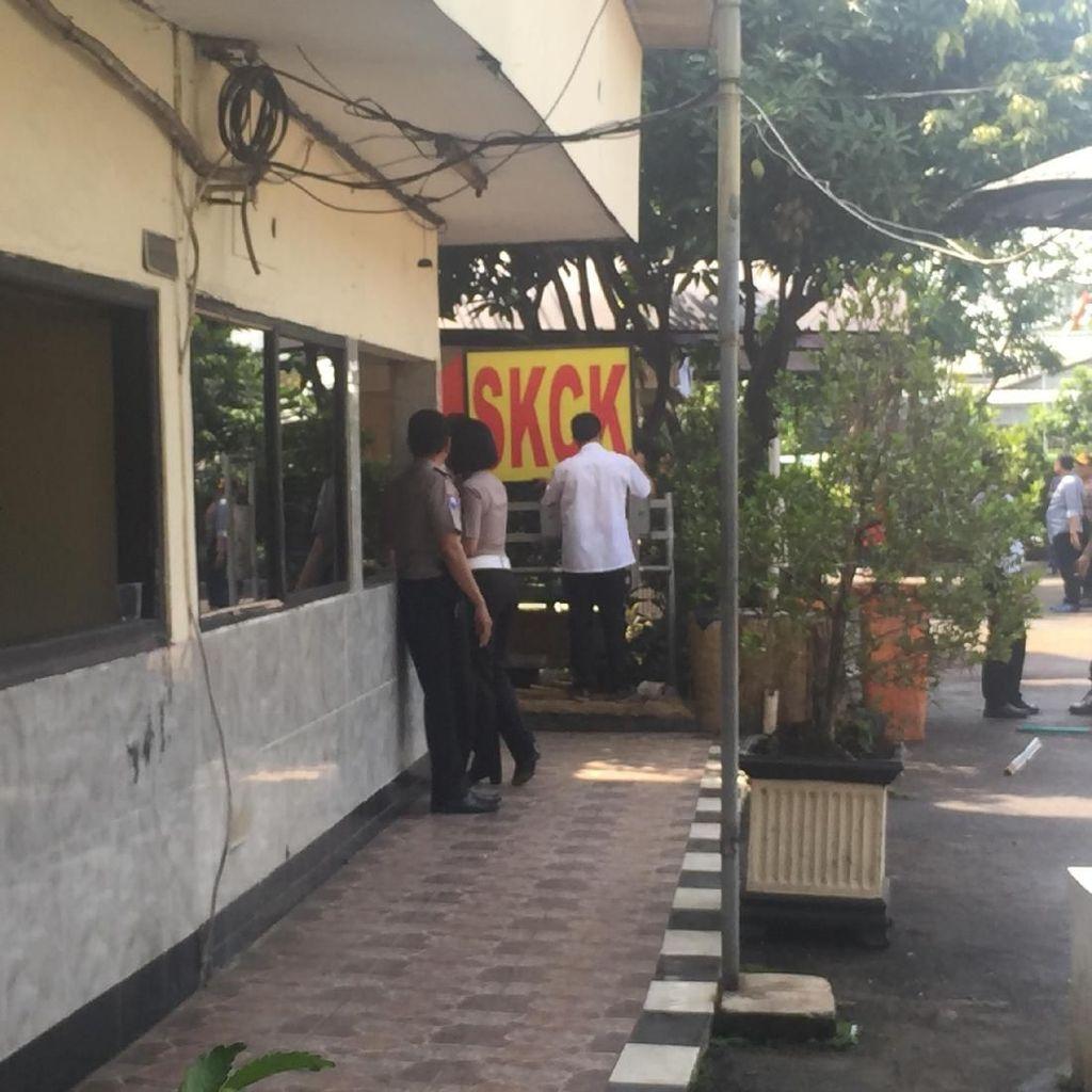 Pelayanan SKCK di Polsek Ciracas Mulai Berjalan Pascaperusakan