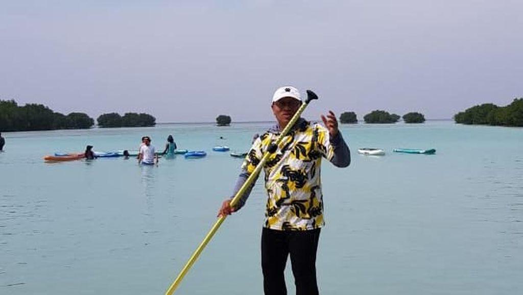 Cerita Dirut BPJS TK Paddling 10 Km di Pulau Pari
