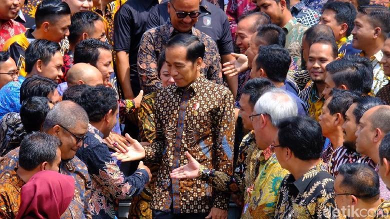Jokowi Minta Pendamping PKH Dikirim ke Luar Negeri